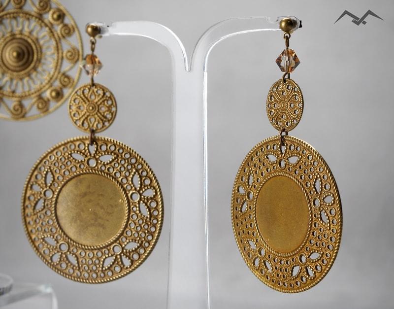 duża biżuteria - duże kolczyki