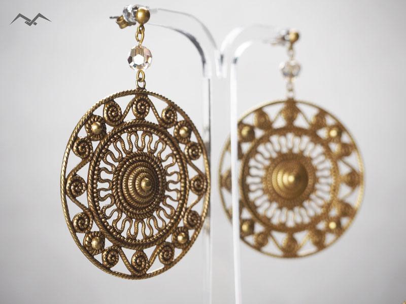 metalowe kolczyki z kryształkami - biżuteria sztuczna IKA