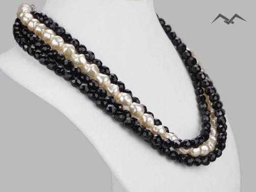 Biało czarny naszyjnik z koralików i pereł