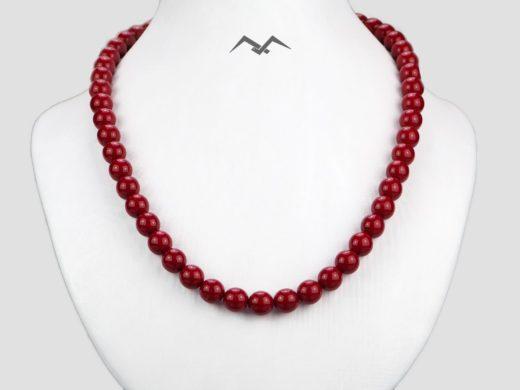 Naszyjnik z czerwonych pereł szklanych